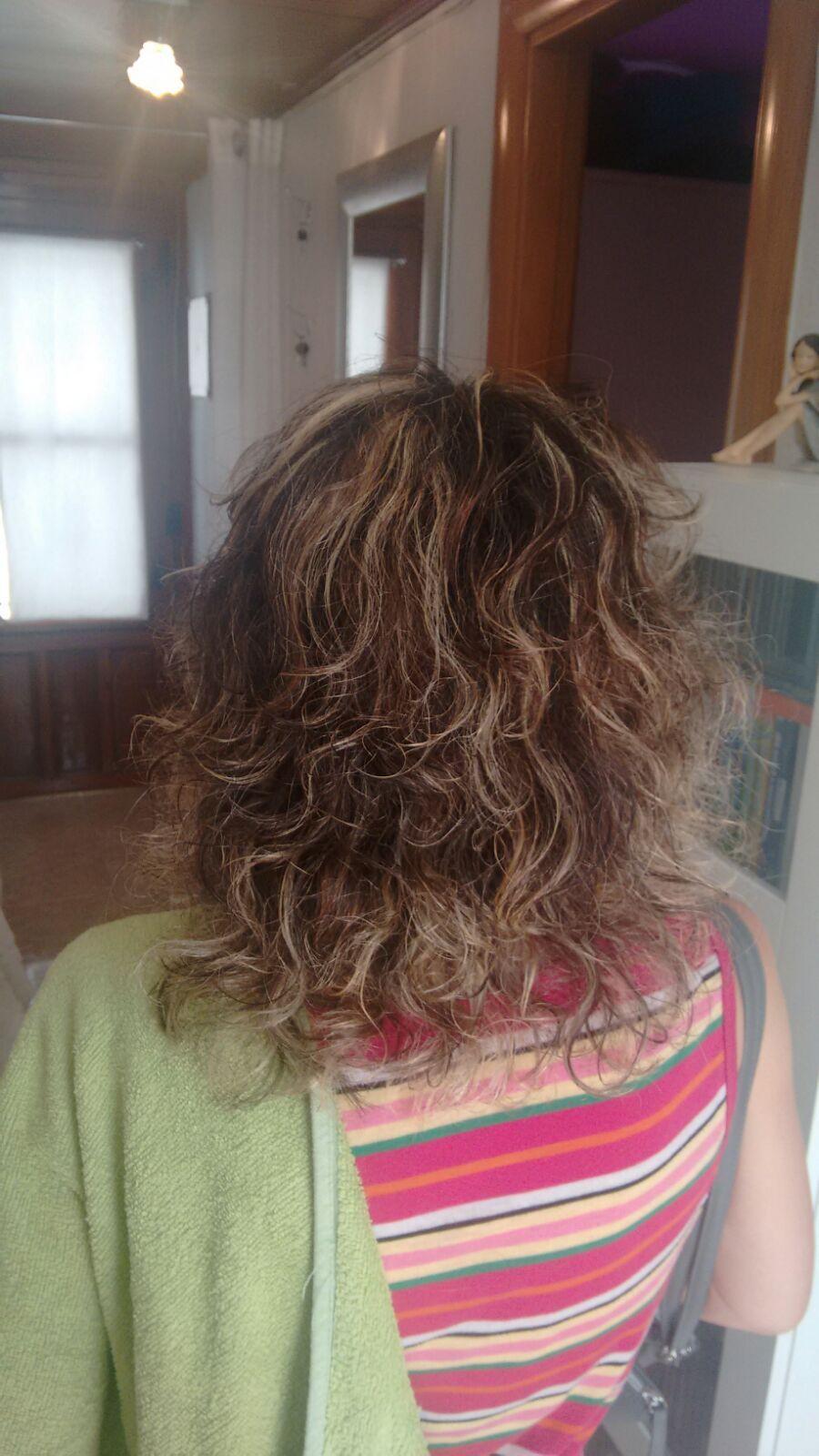 Peluquera en casa, peluqueria en casa, peluquera a domicilio, peluquera para residencias en Palau Solita